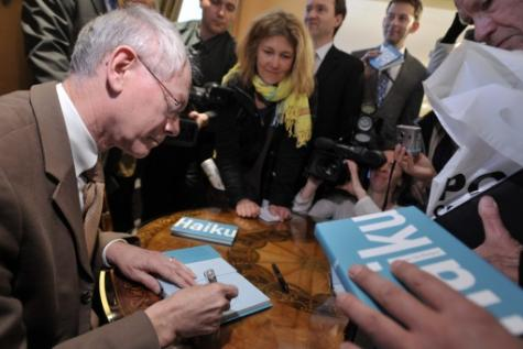 Herman Van Rompuy publie son deuxième recueil de haïkus